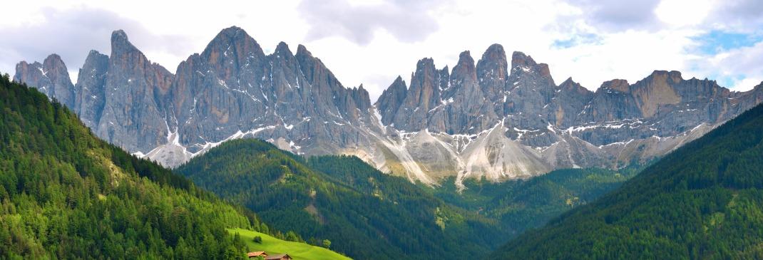 Landschaft und Berge rund um Bozen