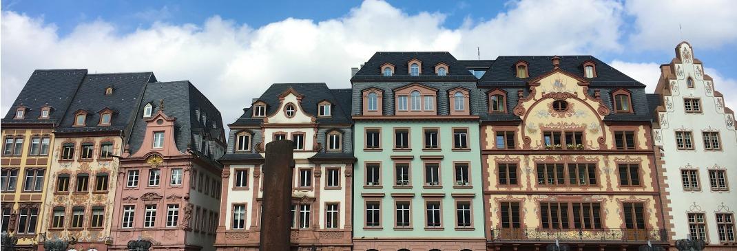 Häuserfassaden in Mainz, Rheinland-Pfalz