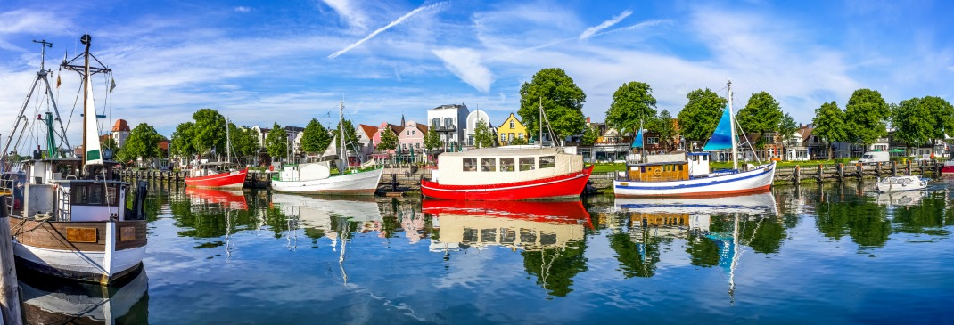 Boote in Rostock an der Ostsee