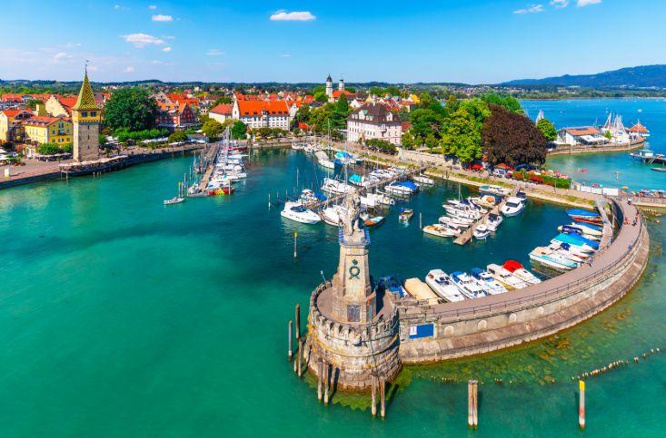 Hafen mit Booten am Bodensee.