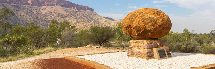 Top walks in Alice Springs banner