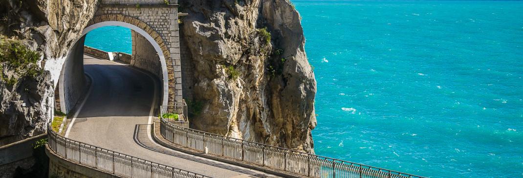 Guidare a Napoli e dintorni dalla Stazione Centrale