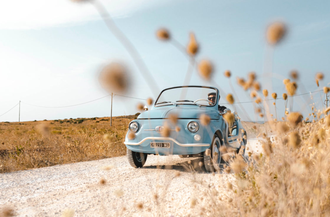 Exterior shot of a Fiat 500 Jolly Spiaggina in the countryside