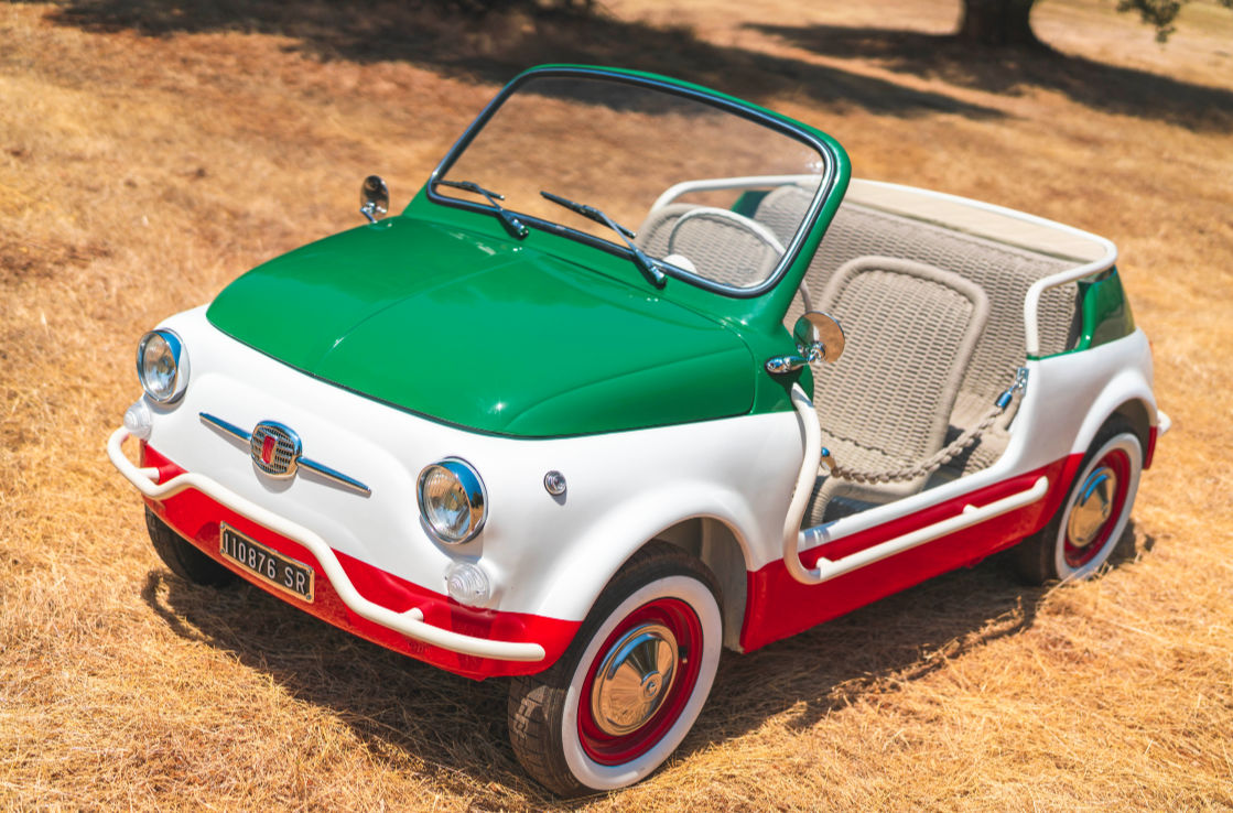 Front-three-quarter view of a Fiat 500 Jolly Spiaggina