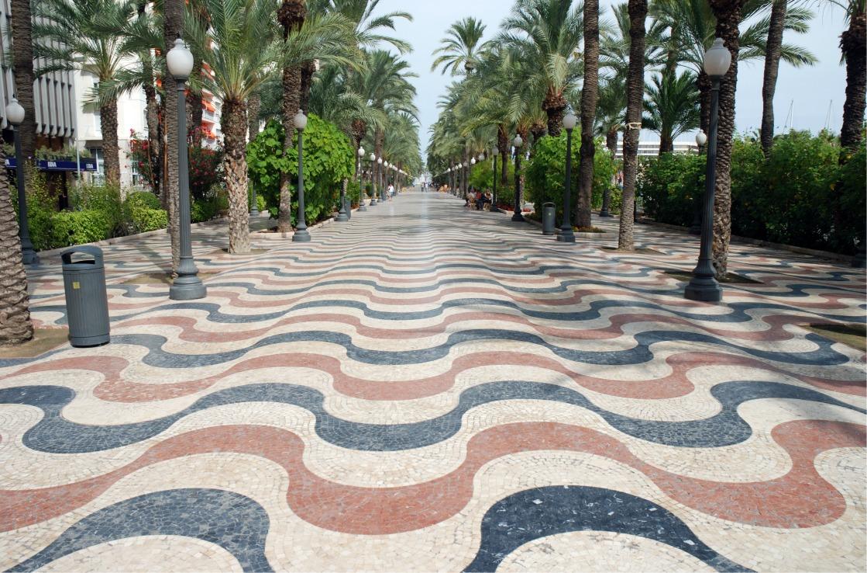 Die berühmte Promenade in Alicante