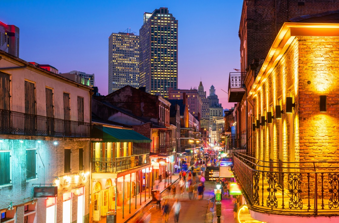 Das French Quarter in New Orleans am Abend