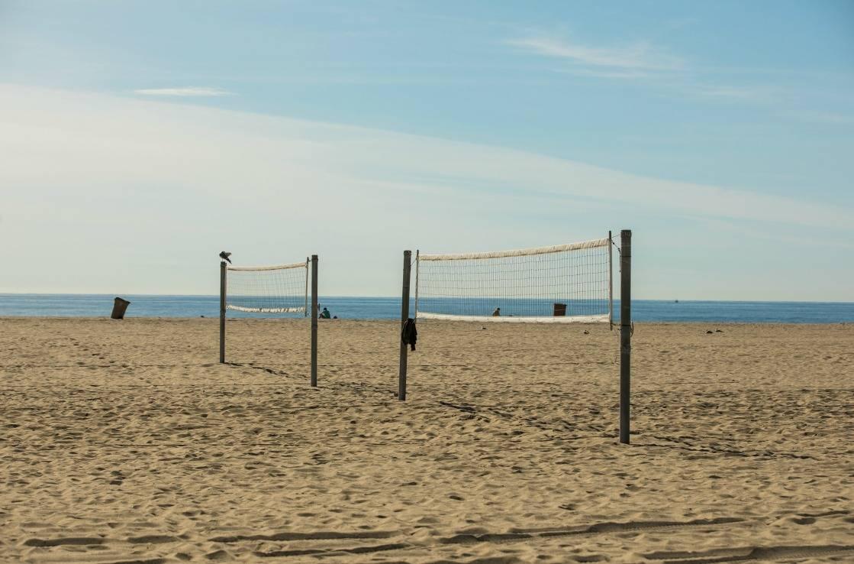 Volleyballfelder am Santa Monica Pier.