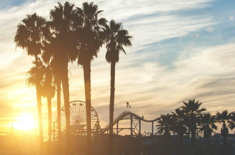Vergnügungspark und Riesenrad am Santa Monica Pier.