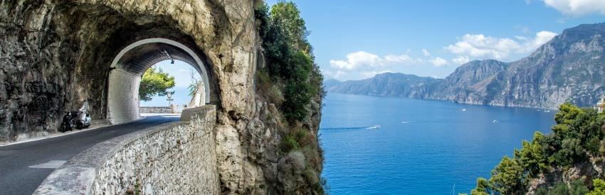 Autofahren in Italien – Einschränkungen und Bußgelder  banner