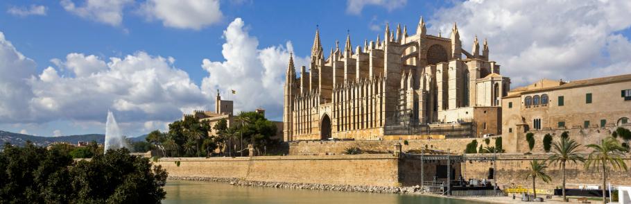 El mágico casco antiguo de Palma de Mallorca banner