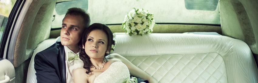 Dîtes oui à la location d'une voiture pour votre mariage banner
