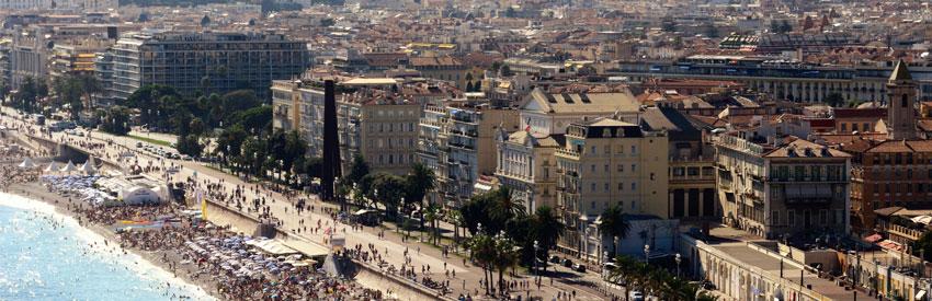 La ville historique de Niceà découvrirà pieds ou en voiture banner