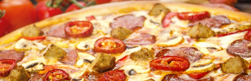 Deep dish delights: Five of the best Chicago pizza places banner