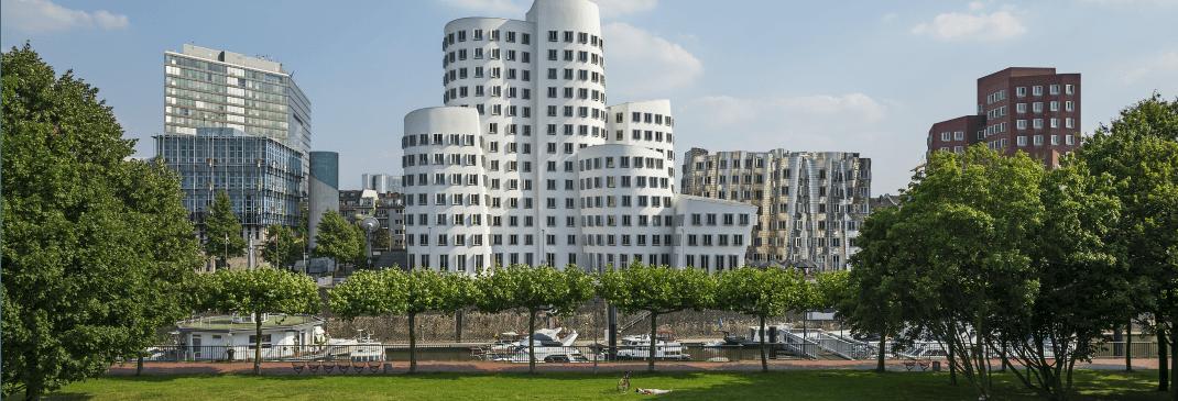 Autofahren am Flughafen Düsseldorf und Umgebung