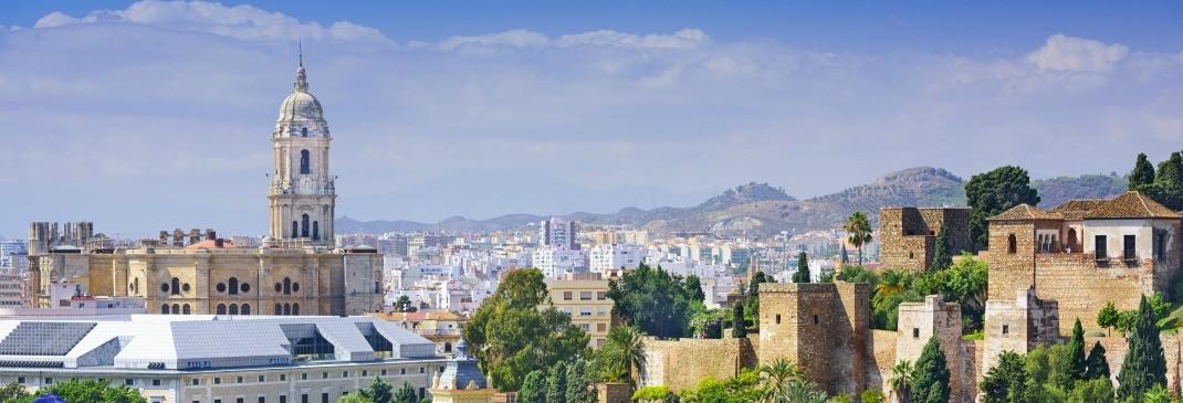Conducir en la estación de tren de Málaga María Zambrano y alrededores